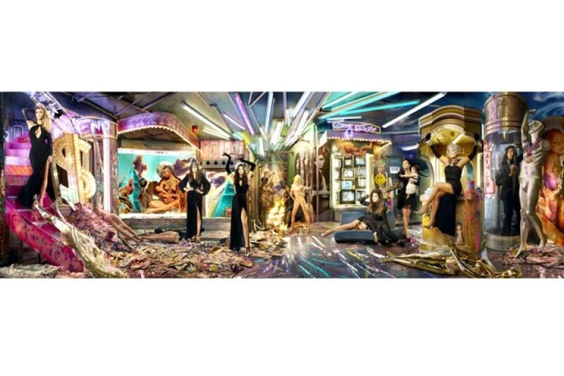 El año pasado, las matriarcas Kardashian, protagonizaron su postal bajo el título 'Kardashian Karnivale'.