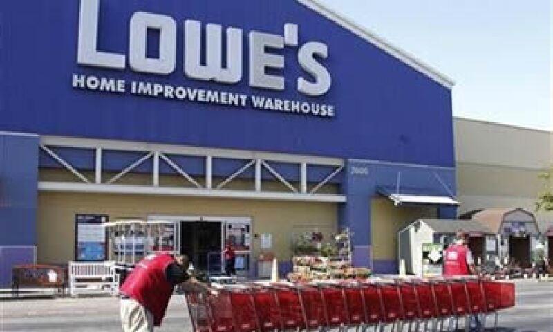 Lowe's ha sido más lento en recortar costos que el líder del sector Home Depot. (Foto: Reuters)