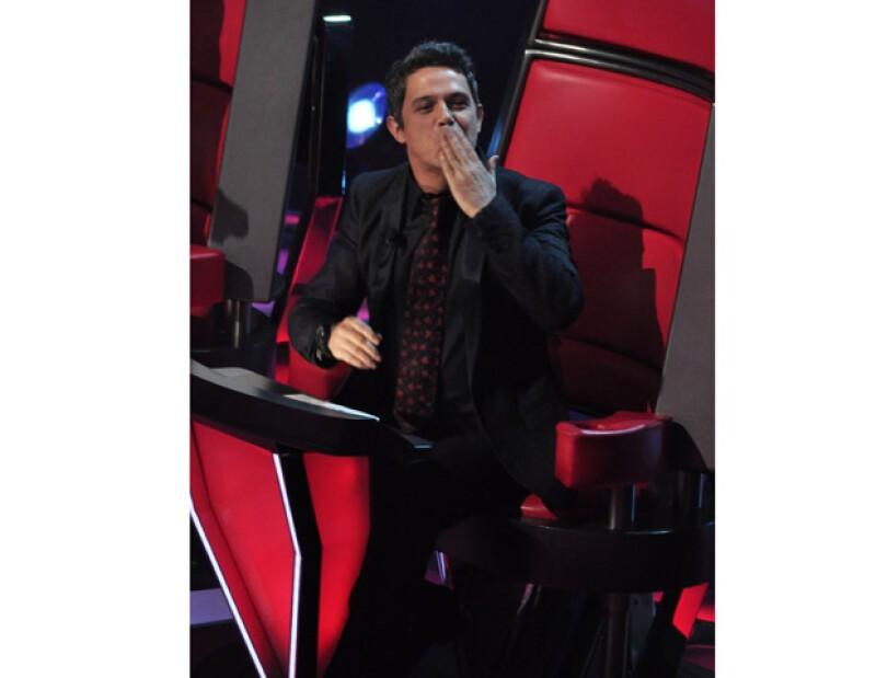 """El cantautor español  convocó a sus seguidores a que adivinen el título de su nuevo álbum, mediante una campaña virtual denominada """"Viene del aire""""."""