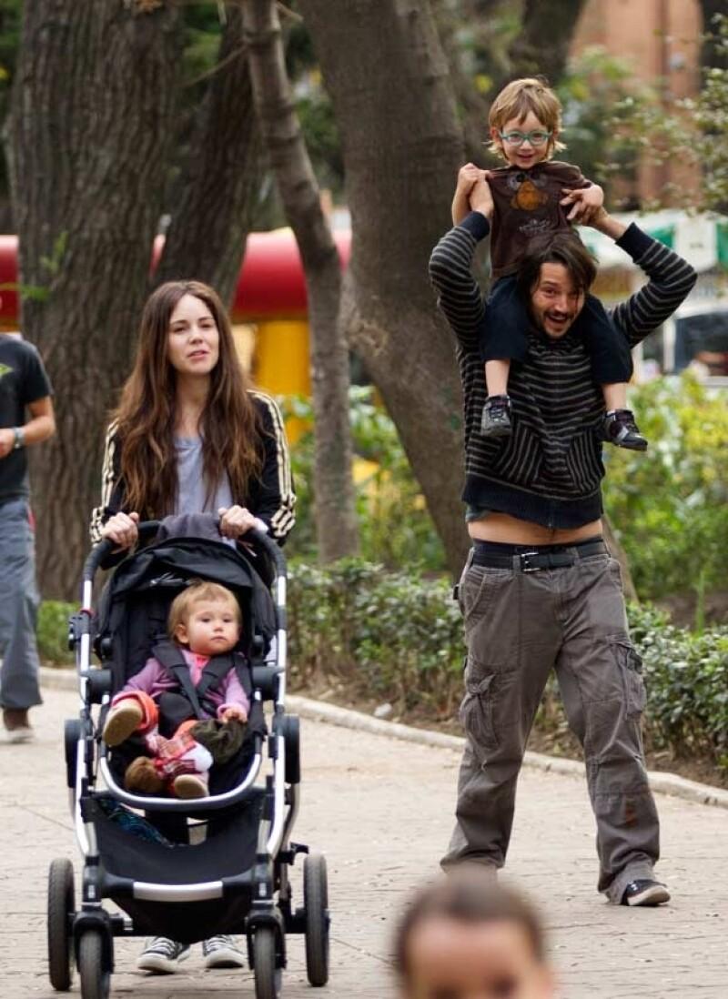 Camila Sodi y Diego Luna tuvieron dos hijos juntos, Fiona y Alejandro.