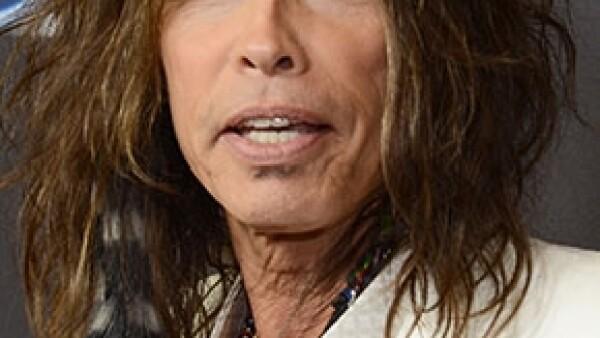 Steven Tyler a sus 64 años confesó en una entrevista que llegó a gastar millones de dólares en cocaína; el cantante decidió enfrentar su adicción ingresando a una clínica de rehabilitación en 2009.