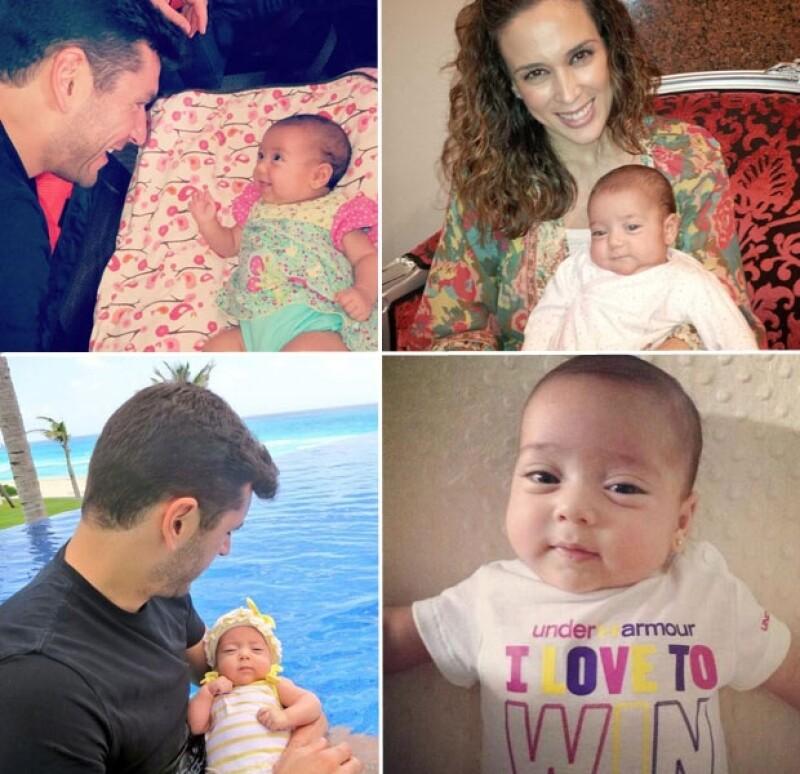 La conductora Jacqueline Bracamontes compartió a través de redes sociales una linda fotografía de su hija, quien pronto cumplirá cinco meses de edad.