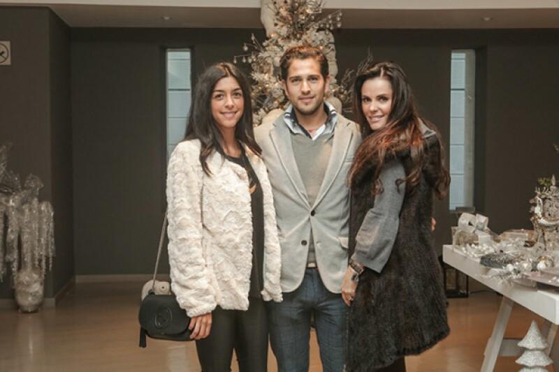 Ivanna Velasco, Esteban Abascal y Gabriela Murillo
