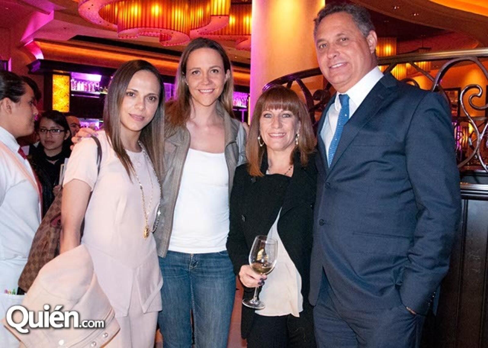 Lorayne Guzmán, Alejandra Rivas, Adriana y Federico Tejado