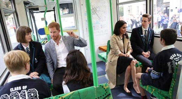 meghan-harry-transporte-publico-australia-696x378