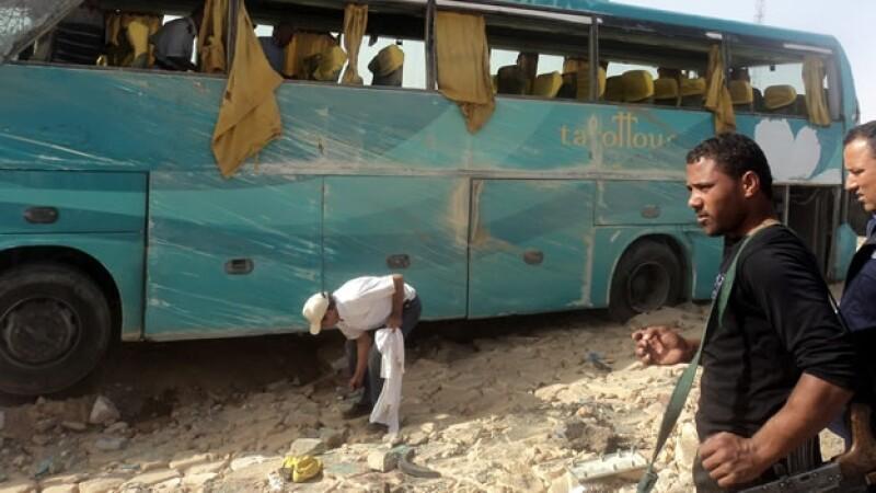Autobús con mexicanos en Egipto