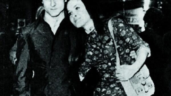 Los papás de Micky se conocieron un verano de 1967 en la cafetería París, en Mar del Plata, Argentina.