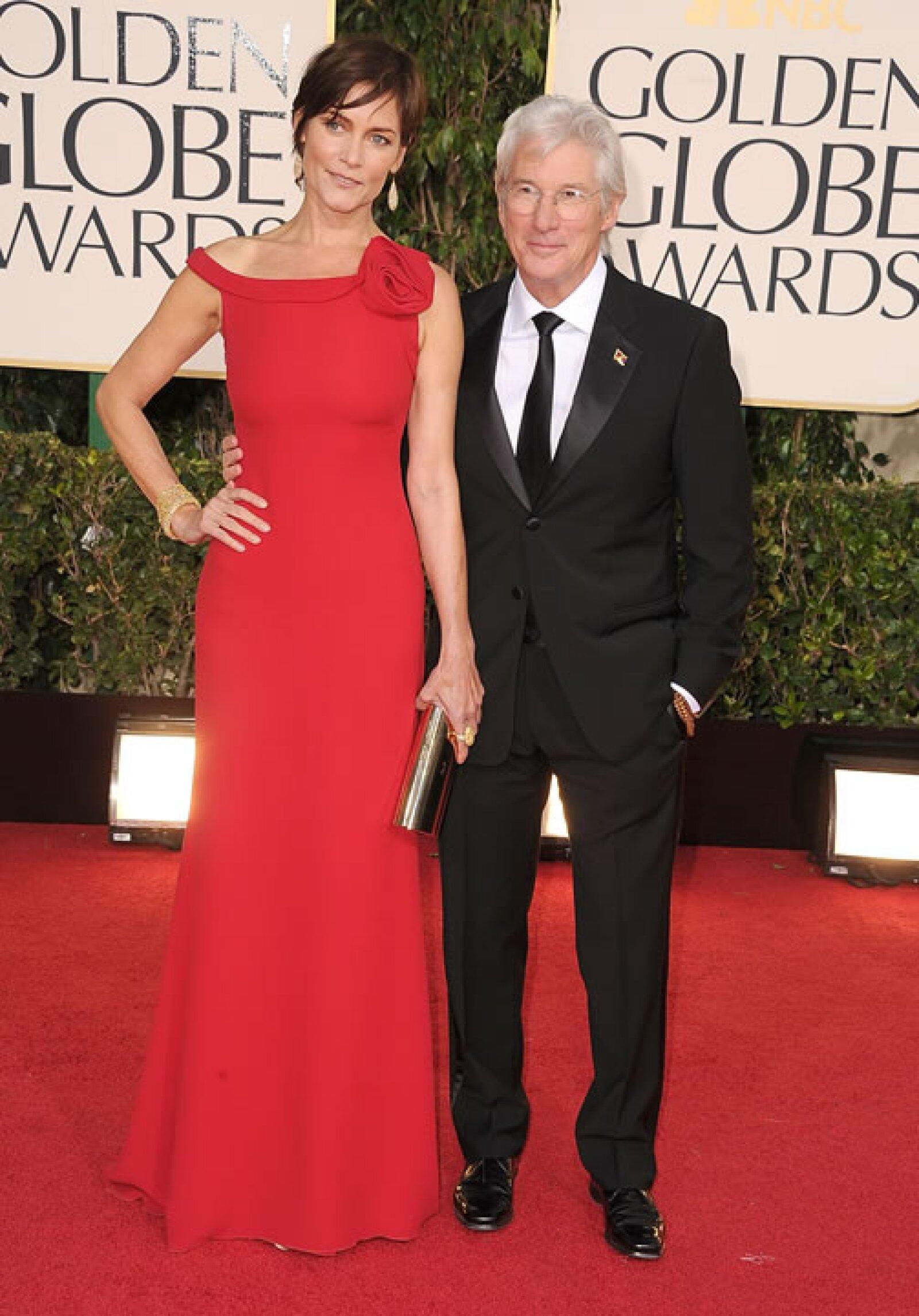 Carey Lowell la actual pareja de Richard Gere también es más alta que él.