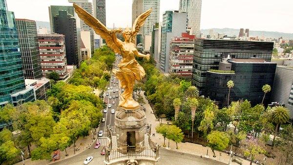 La Corona de México sigue rompiendo