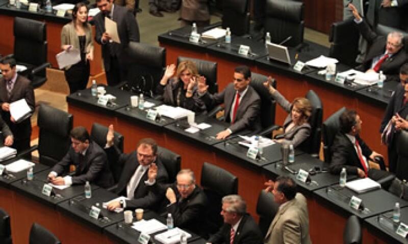 Dentro de los cambios que hicieron los diputados al proyecto original del Ejecutivo federal, y que se mantuvieron en el Senado, destaca el ajuste al precio de la mezcla mexicana de petróleo. (Foto: Notimex)