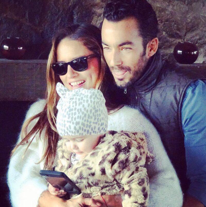 La pareja está más que feliz en su visita al país natal de la cantante, pues además de vacacionar también celebraron el cumpleaños de su segunda hija.