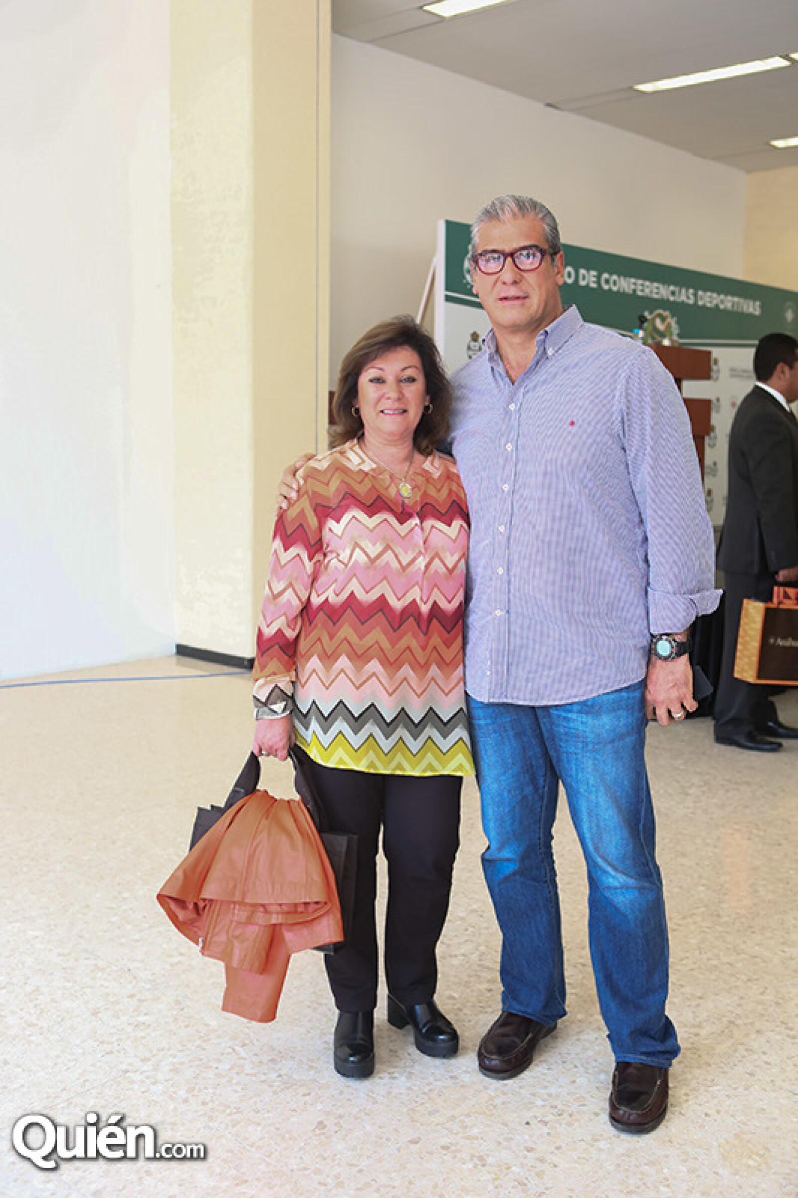 Adriana y César Deschamps