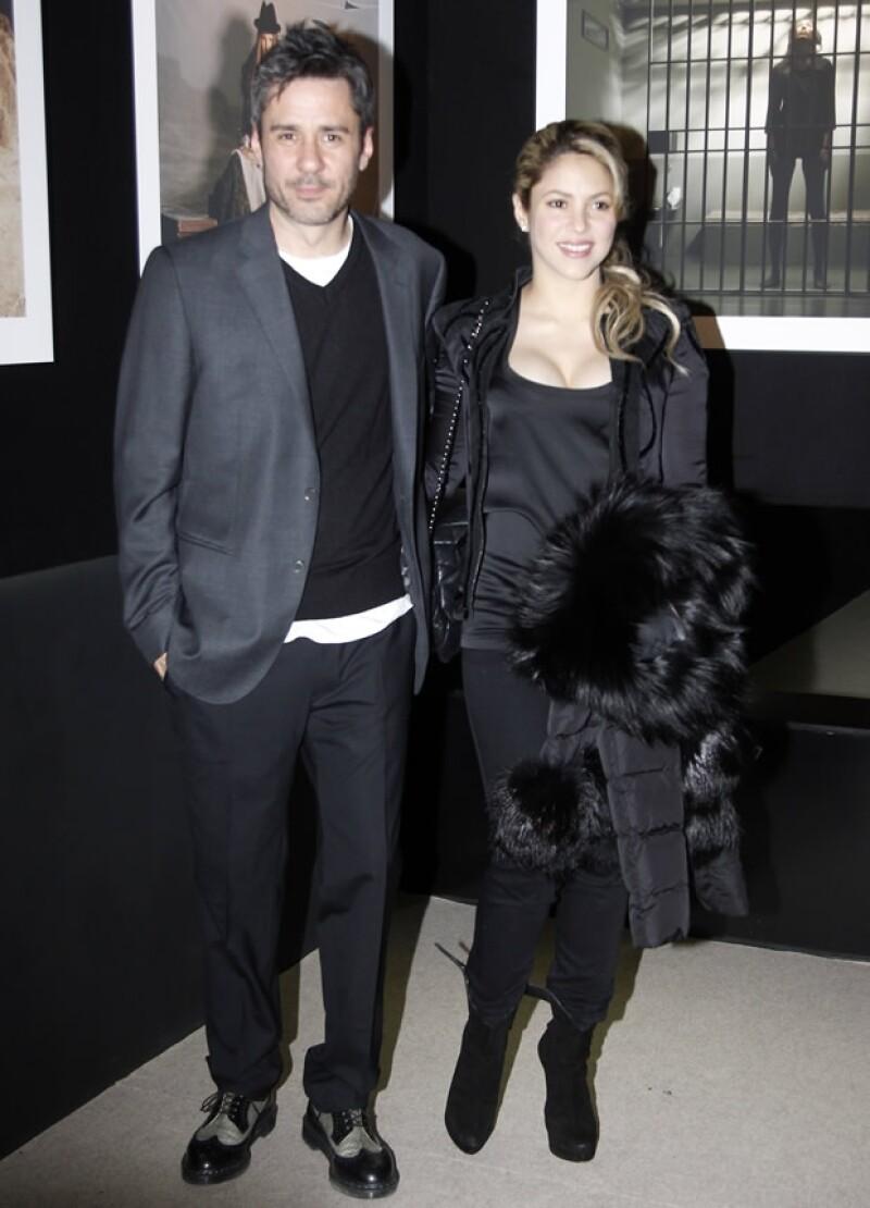 Shakira con el fotñografo Jaume de Laiguana.