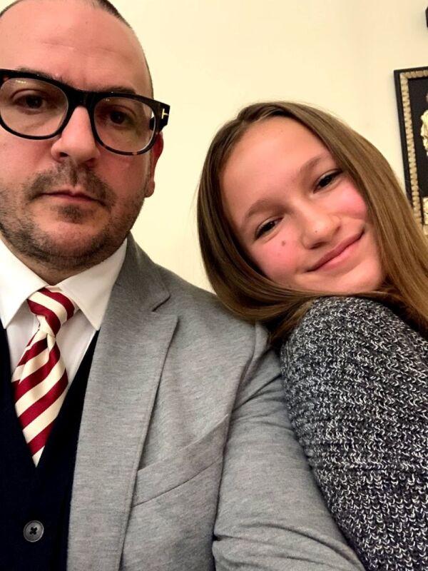 Francisco Migoya y su hija Isabel.jpg