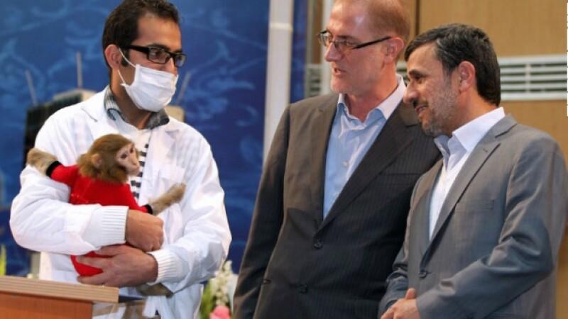 Mahmoud Ahmadinejad se ofrece voluntario para ir al espacio