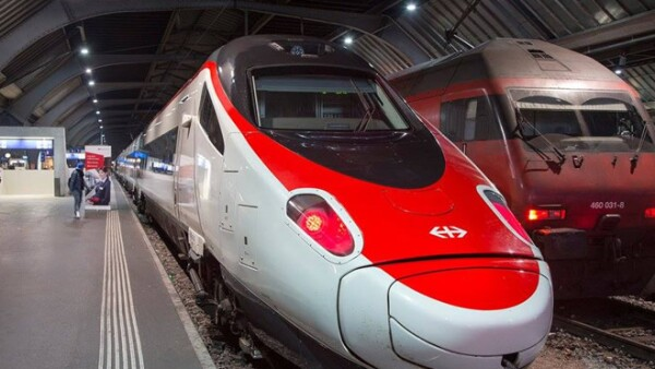 tren de pasajeros Gotardo