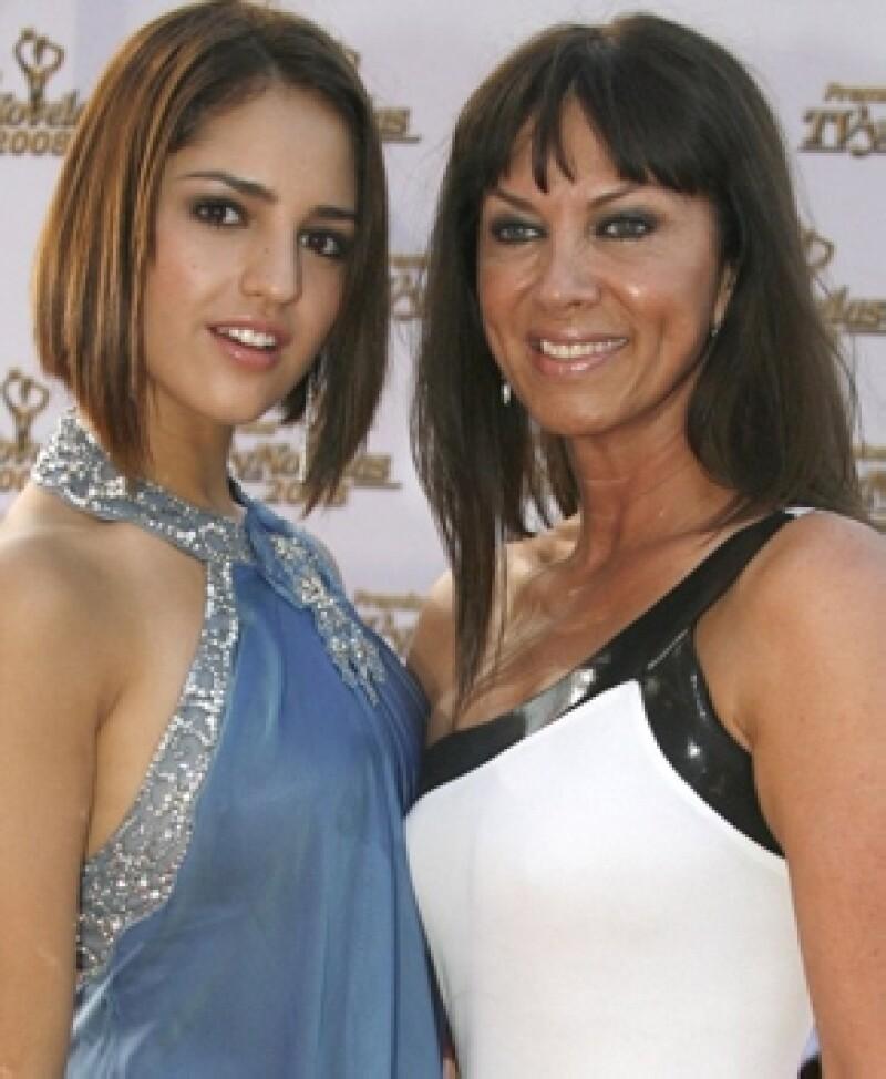 La mamá de Eiza, Glenda Reyna, siempre la ha impulsado y apoyado en su carrera.