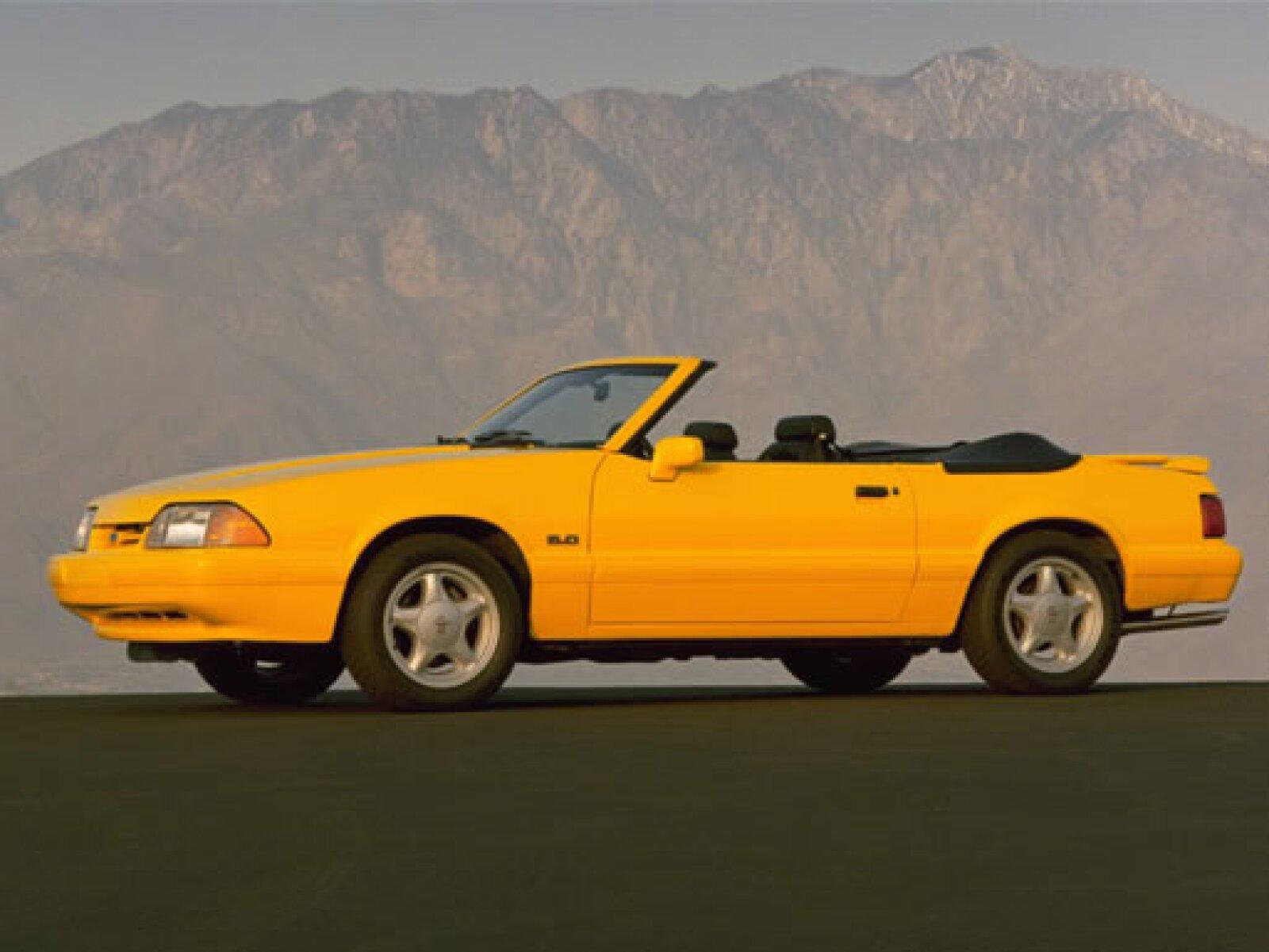 El modelo de 1993 tuvo como principal función aparecer en distintas carreras automovilísticas.