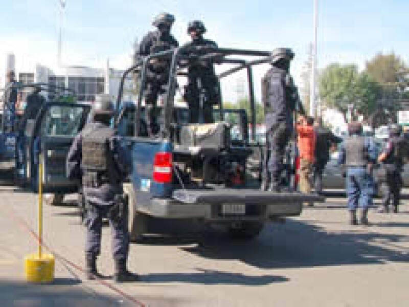 Policias federales realizaron un operativo contra La Familia en Michoacán. (Foto: Notimex)