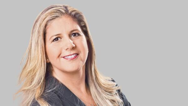 Directora de Responsabilidad Social Corporativa de Cemex y del Centro Cemex-Tec para el Desarrollo de Comunidades Sostenibles.