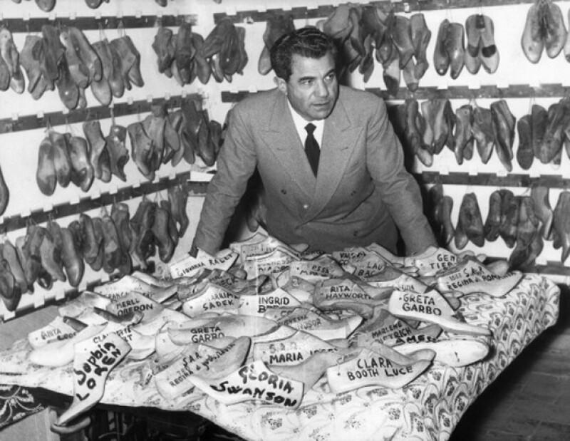 Salvatore Ferragamo durante sus años creativos.