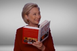 Hillary Clinton dedica un fragmento de 'Fire and Fury' a Donald Trump
