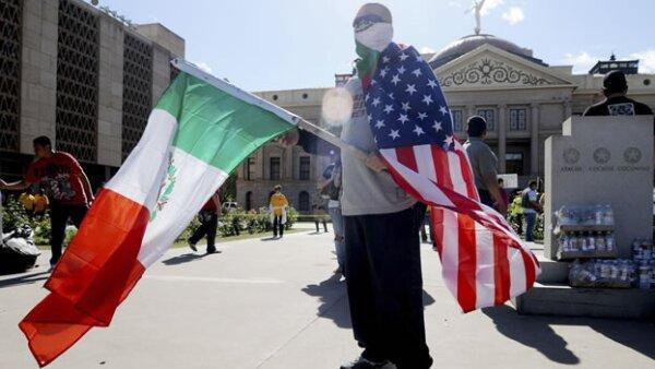 Migrantes se manifiesta contra ley antiinmigrante en Arizona
