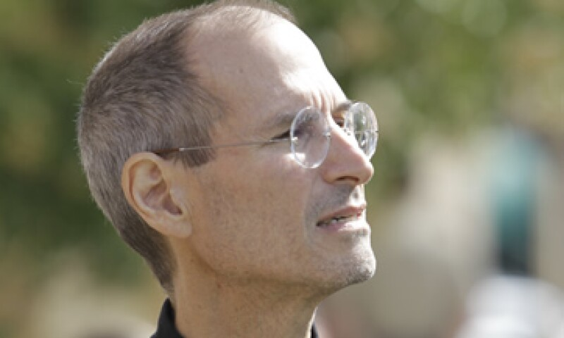 ddfd0799280 A Steve Jobs no se le practicó una autopsia, y fue enterrado en un  cementerio