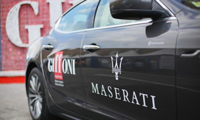 Fiat Chrysler reportó una caída en sus ganancias pese a un mujer desempeño de sus marcas de lujo. (Foto: afp)