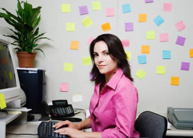 Un insignificante Post-it con un mensaje de reconocimiento puede crear un mejor ambiente de trabajo. (Foto: Jupiter Images)