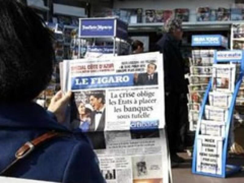 Francia se convirtió en el primer país en lanzar un programa gubernamental de rescate para la prensa. (Foto: Reuters)