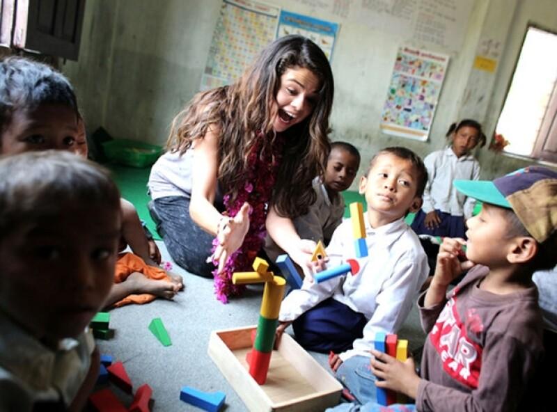La cantante hizo un valioso viaje como embajadora con el Fondo de las Naciones Unidas para la Infancia al país asiático en donde se le vio más alegre que en cualquier red carpet.