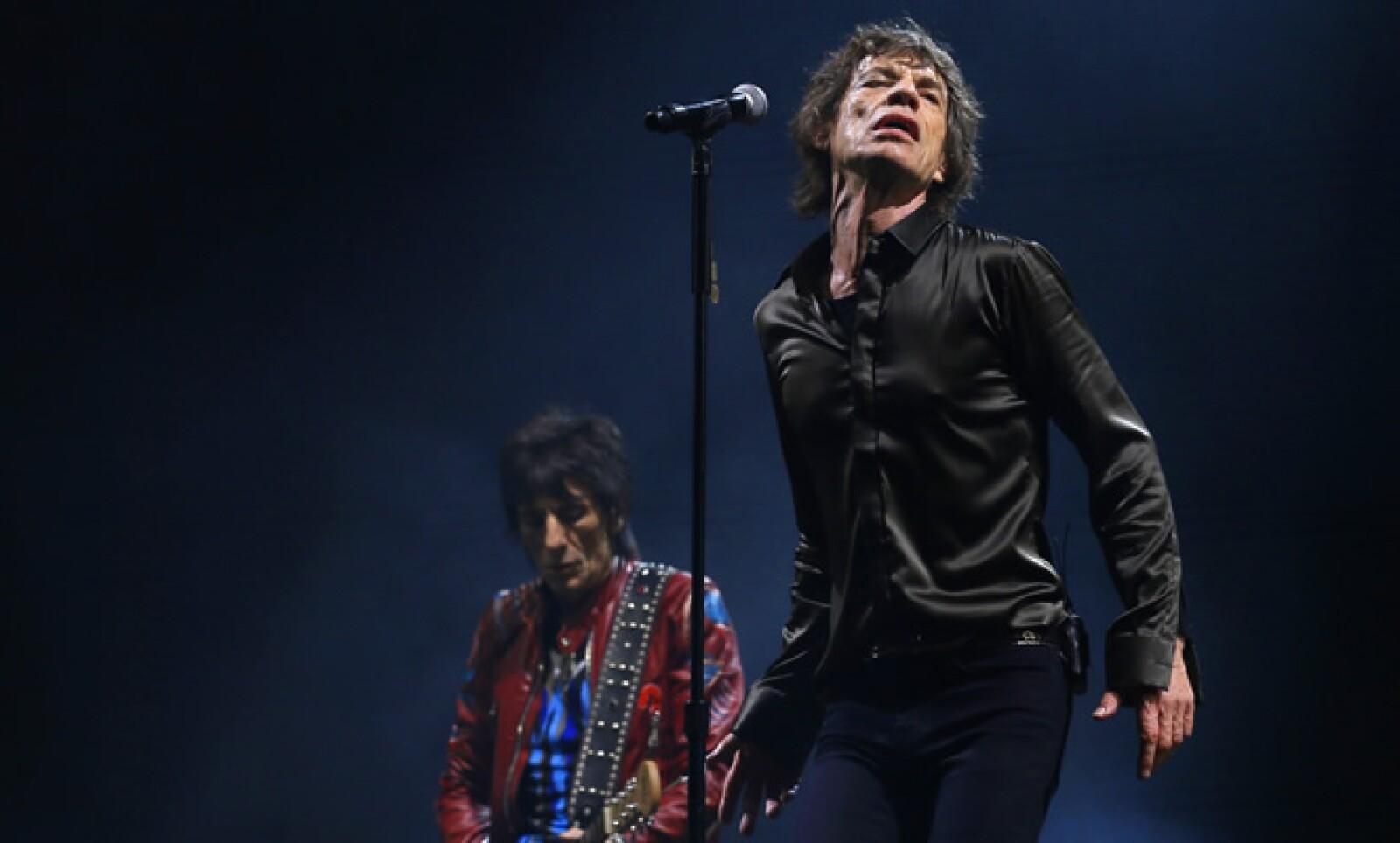 Este 26 de julio, Mick Jagger, vocalista de los Rolling Stones, cumple 70 años de edad. Aquí en su presentación en la última edición del festival Glastonbury.