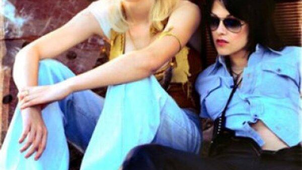 """La cinta """"The Runaways"""", biopic del grupo de rock homónimo protagonizado por Kristen Stewart y Dakota Fanning."""