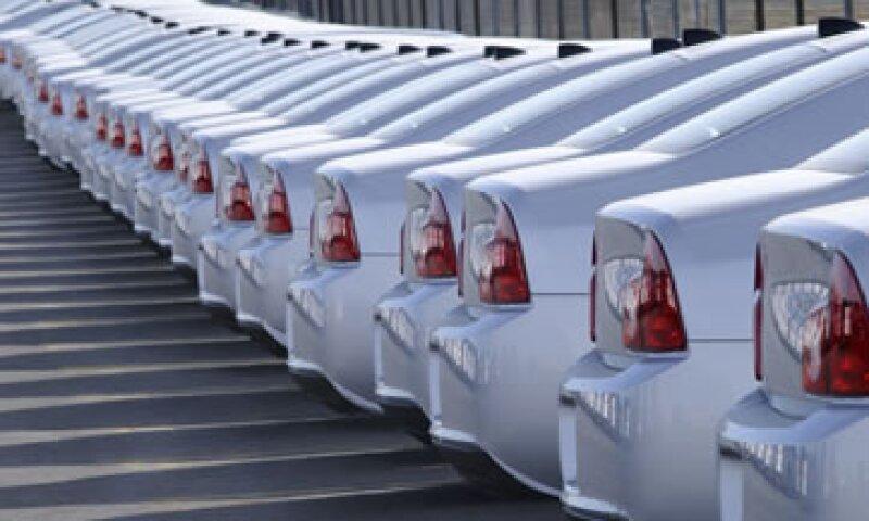 En términos acumulados, la producción de vehículos subió 2.4% entre enero y noviembre. (Foto: Getty Images)
