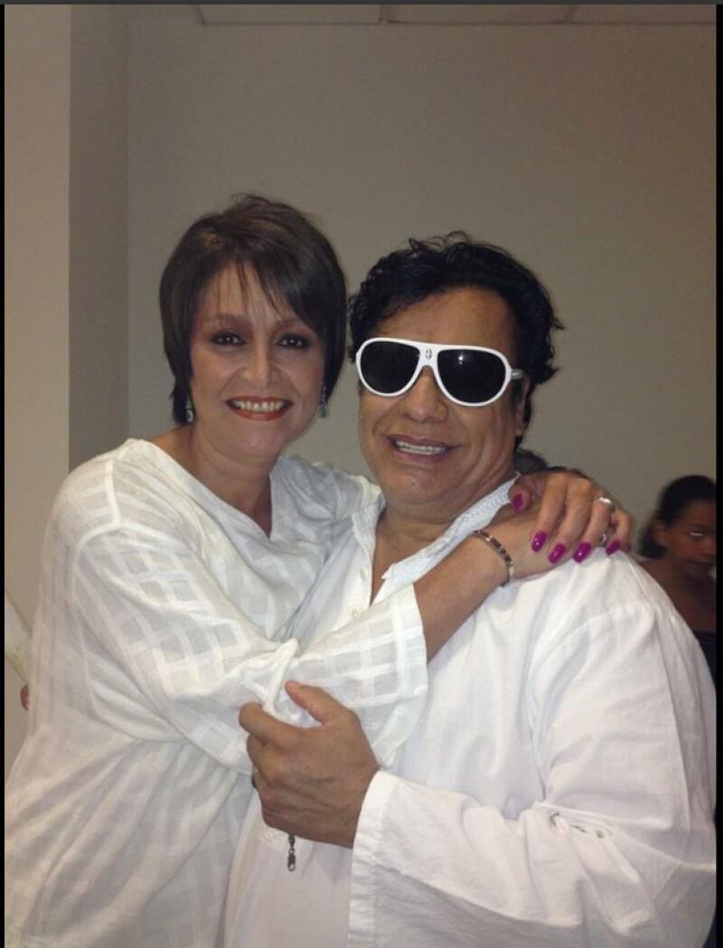 """La cantante comparte lo que significó el Divo de Juárez para ella y sus fans mexicanos; califica de """"inoportuno"""" el polémico artículo de Nicolás Alvarado."""