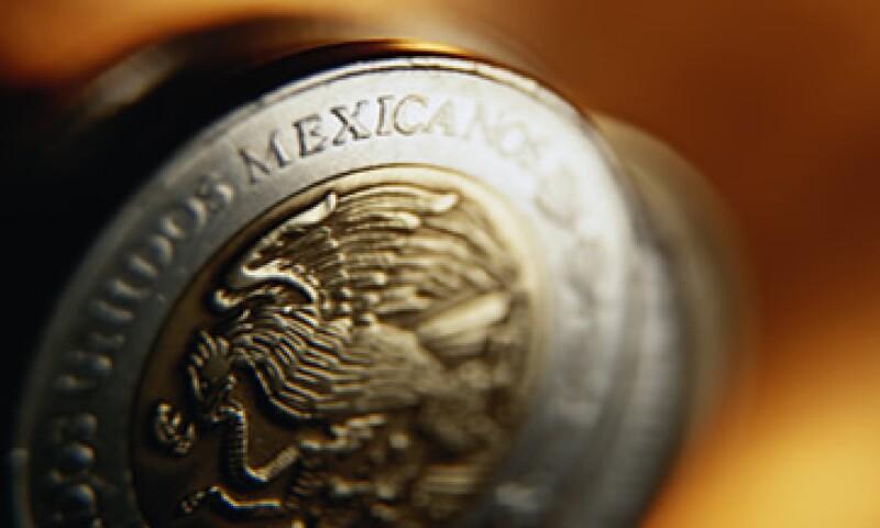 El peso mexicano avanzó 10.38 centavos, a 13.52 unidades por dólar en su valor a 24 horas.  (Foto: Thinkstock)