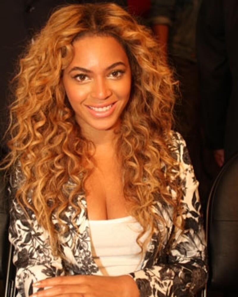 Beyoncé también le ha mandado a hacer calzado especial a Blue Ivy.