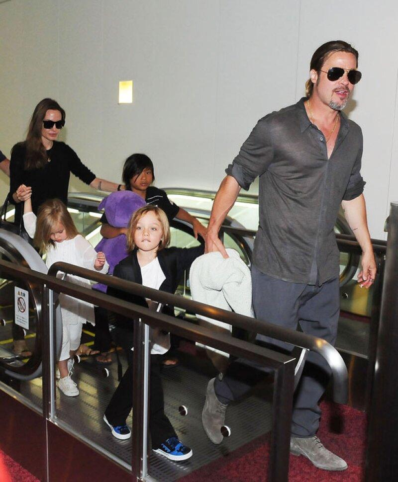 Ahora Brad tiene 6 hijos con Angelina Jolie, 3 de ellos naturales y otros 3 adoptados.