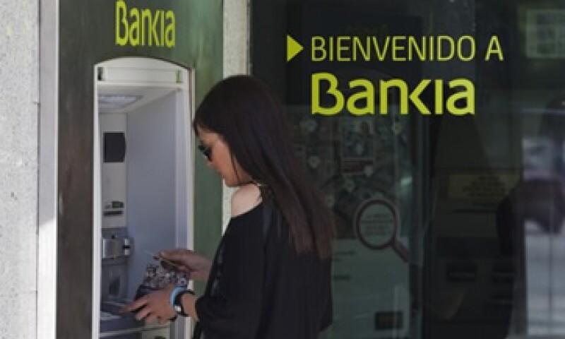 Los expertos aseguran que los bancos españoles necesitarán entre 75,000 y 100,000 mde. (Foto: Reuters)