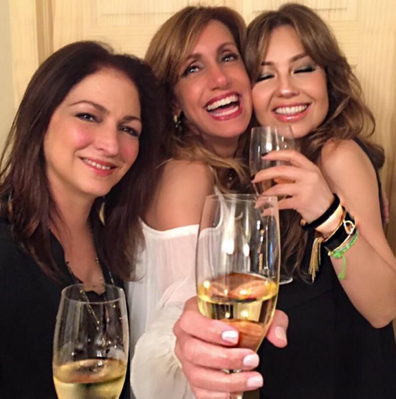 """""""Celebrando a nuestra @liliestefan estamos las dos virgos @gloriaestefan et moi 👍🏻👏🏻🎉"""", Thalía."""