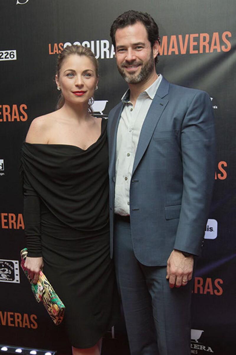 Ludwika y Emiliano en su llegada a la premiere de `Las Oscuras Primaveras´ en febrero pasado.