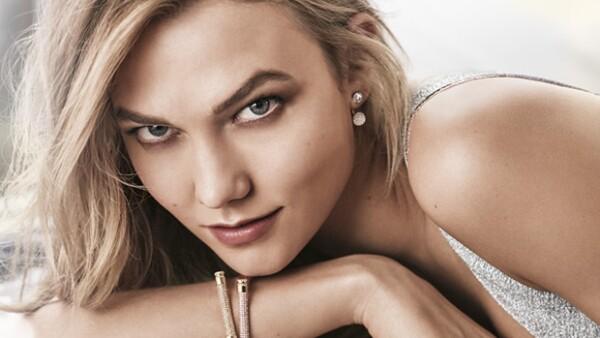 La firma austriaca le da la bienvenida a la top de 23 años como imagen de la casa de accesorios. La modelo estadounidense reemplaza a Miranda Kerr y protagoniza la campaña &#39Be Brilliant&#39.