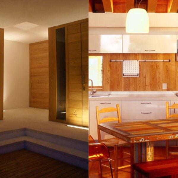 Mediante el manejo de alturas menores a lo tradicional y maderas, se logra que al interior de las viviendas predomine un ambiente cálido e íntimo que se complementa con el manejo de iluminación tenue.