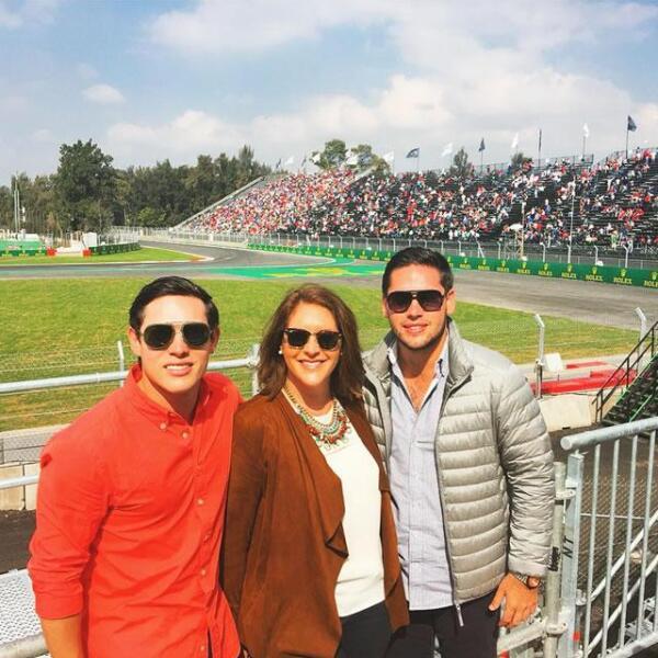 Javier, Gabriela y Diego Cueva