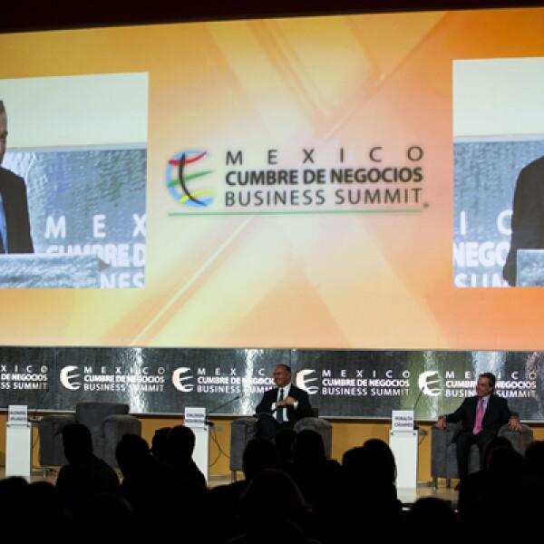En la México Cumbre de Negocios participan líderes empresariales de México y el extranjero, jefes de Estado, líderes políticos, funcionarios, académicos, líderes de opinión y personalidades de la sociedad civil.