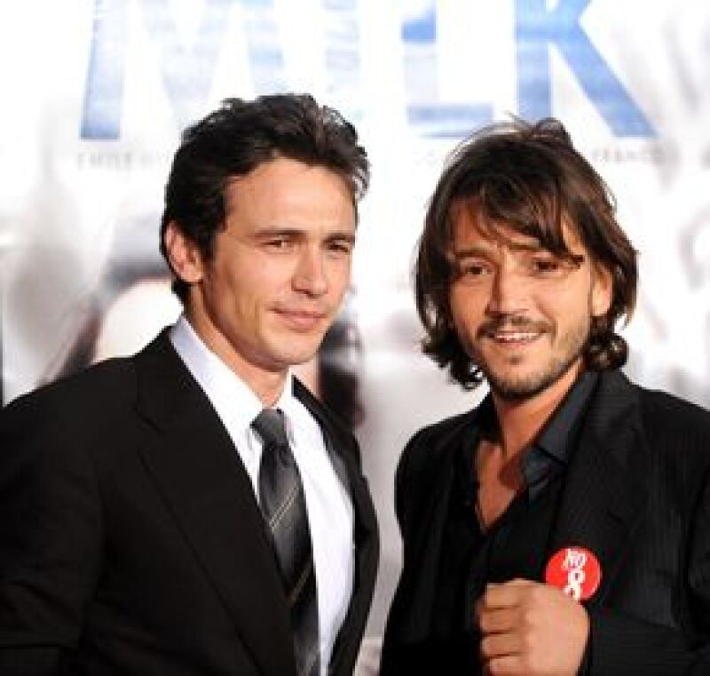 El actor mexicano asistió a la presentación de la pelicula sobre la vida y muerte del primer hombre abiertamente gay de San Francisco.