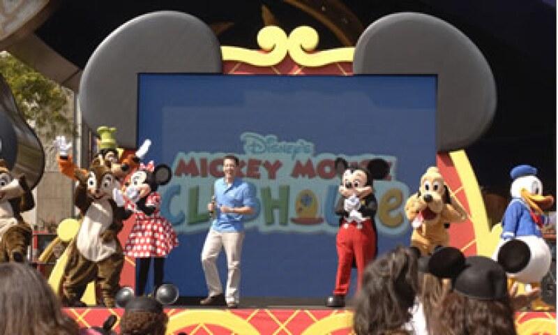 Walt Disney Co. reportó mayores ingresos trimestrales a pesar del duro escenario económico que suele afectar a las ganancias de los parques temáticos. (Foto: AP)