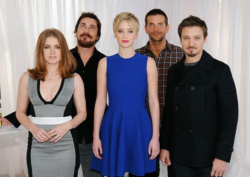Amy Adams, Christian Bale, Jennifer Lawrence, Bradley Cooper y Jeremy Renner protagonizan `American Hustle´.