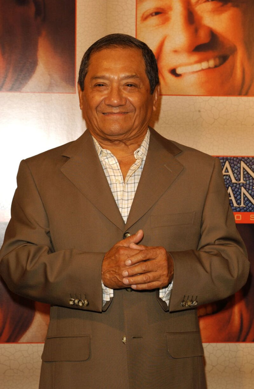 Armando Manzanero dijo que, así como hoy se está crucificando a Luis Miguel, así ha sido alabado cuando estaba en la cima de su carrera.